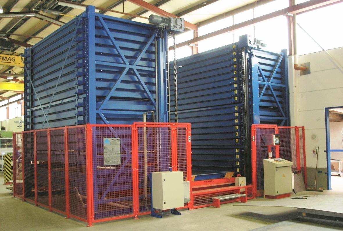 Blechturmlager mit Regalbediengerät